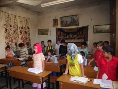 Im Dorf Miden: Besuch beim Unterricht!