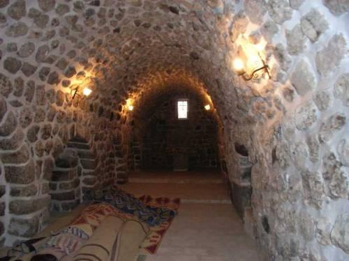 Im Dorf Miden: Renovierte Kirche