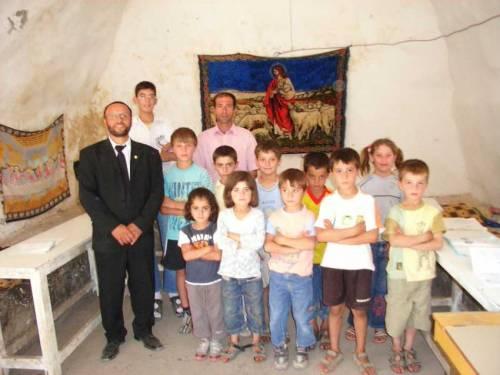 Im Dorf Bsorino mit seinen vielen Kirchen