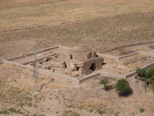 In der alten Stadt am Tigris - Hasankeyf - auch diese Kirche wird in den Wassern versinken
