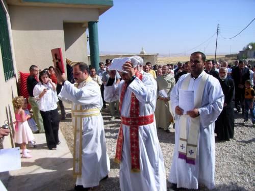 Gottesdienst in Karanjo mit Einsetzung des neuen Pfarrers