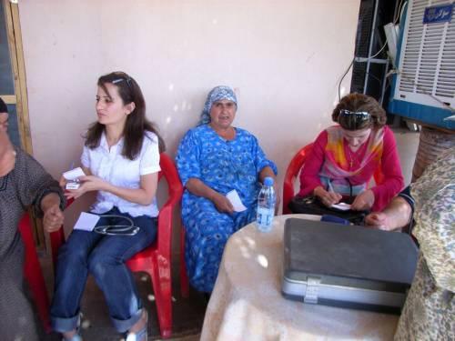 Jeden Freitag fährt die mobile Klinik auf die Dörfer, um Sprechstunden abzuhalten.