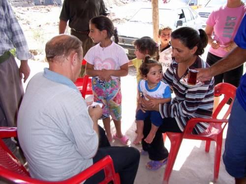 Die mobile Klinik besucht abgelegene Dörfer.