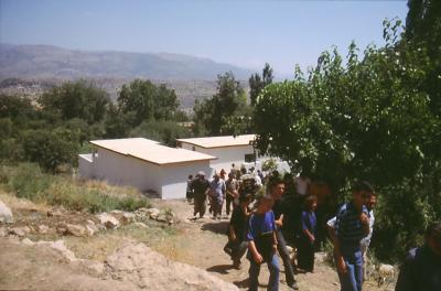 Fest in Baz bei der Einweihung der neuen Kirche am 27. Juli 2003