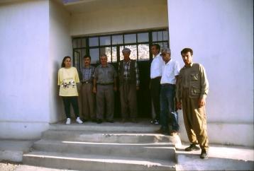 Besuch der Schule in Hermasch mit Mitgliedern der ADM