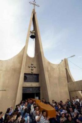 Beerdigung von getöteten Assyrern in Bagdad