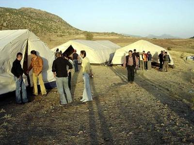 Ein Zeltlager für assyrische Jugendliche im Sept. 2005
