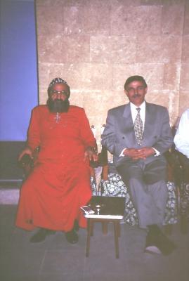 Bischof u. der assyrische Minister Yacob Yussuf aus Erbil - Sept. 1995