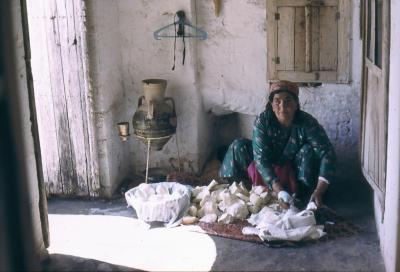 Bei der Zubereitung von Ziegenkäse