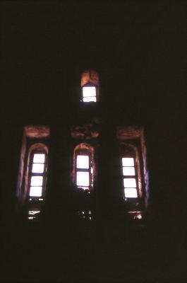 Der Innenraum der alten Kirche in Salah