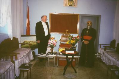 Besuch von der EKD: Der Ratsvorsitzende M. Kock Delegation im Kloster Mar Gabriel - Mai 2001