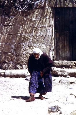 Alte Frau in Ayinvert - im Jahr 1994